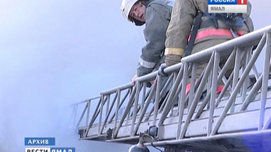 В Надымском районе устанавливают причины пожара в вахтовом городке, в котором погибли 3 человека