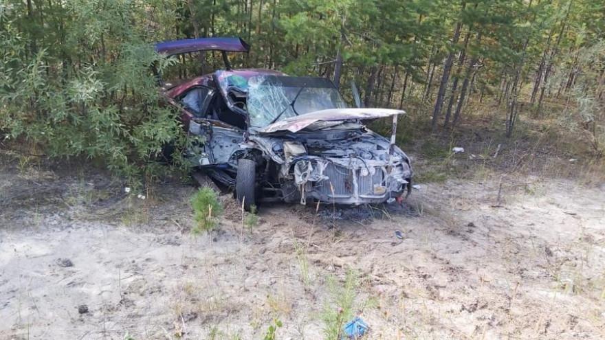 Машина «всмятку»: на трассе Сургут-Салехард иномарка врезалась в грузовик