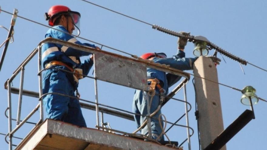В Салехарде за долги отключили электроэнергию 692 абонентам