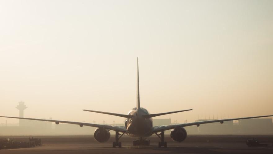 В Новом Уренгое не смог приземлиться и вылететь самолет