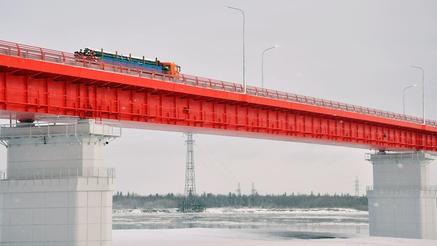 Мосты, дороги, беспилотники  - новые факты в истории Ямала