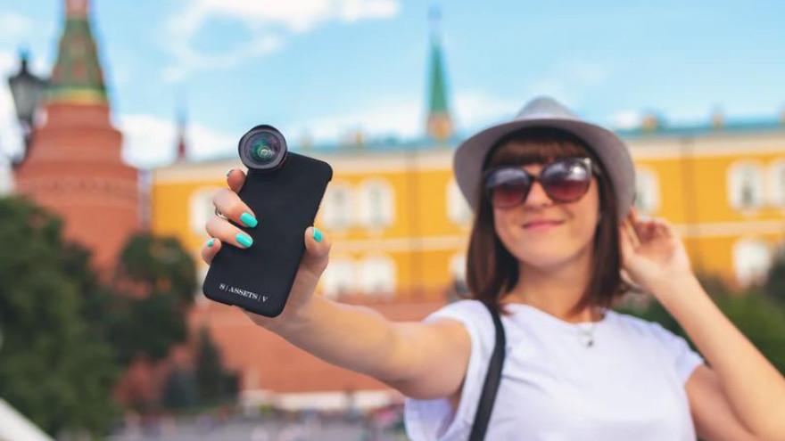 В России большинство граждан хотят бросить работу и стать блогерами