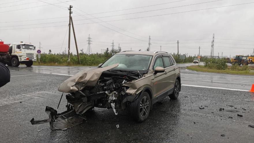 Опасная дорога: на трассе Сургут — Салехард произошло серьёзное ДТП