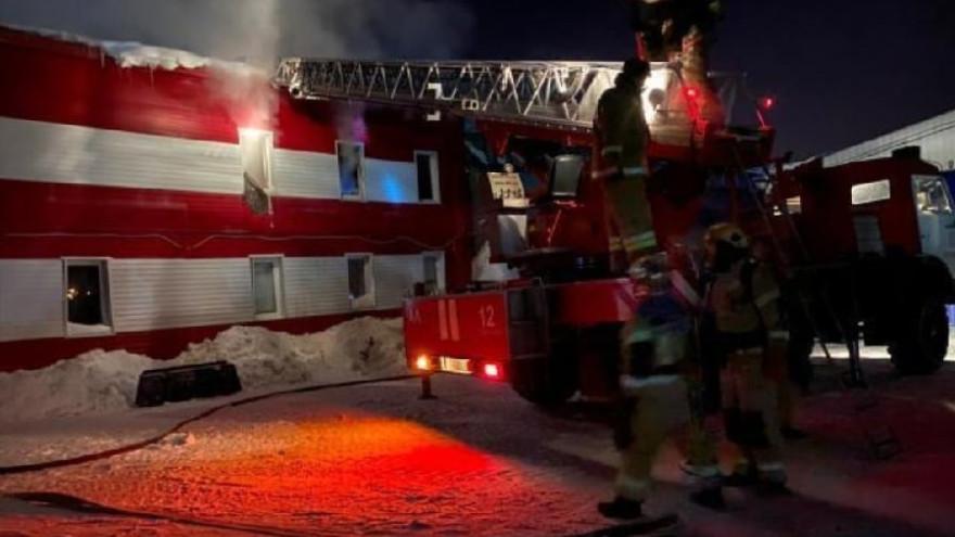 В Губкинском во время пожара на промзоне погиб рабочий