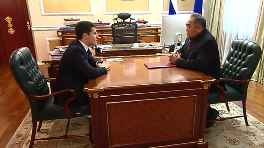 Дмитрий Артюхов и Сергей Харючи обсудили перспективные направления развития сферы оленеводства в ЯНАО