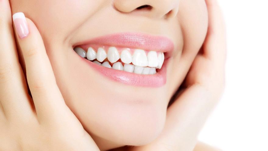 Топ-10 продуктов, которые помогут сохранить здоровье зубов и дёсен