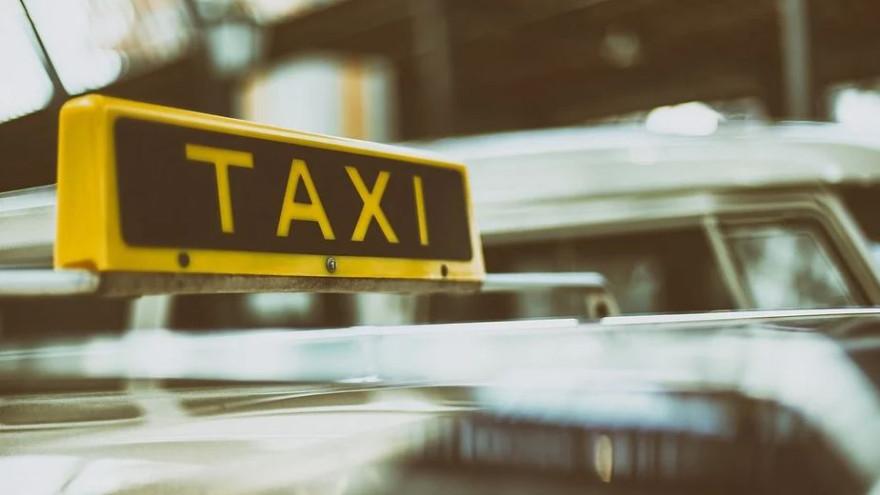 Лжеполицейский «развел» на деньги таксиста с Ямала