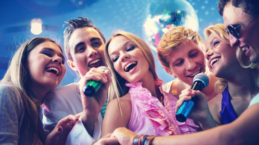 Ограничения ослаблены: в ЯНАО разрешили работать ночным клубам и детским комнатам