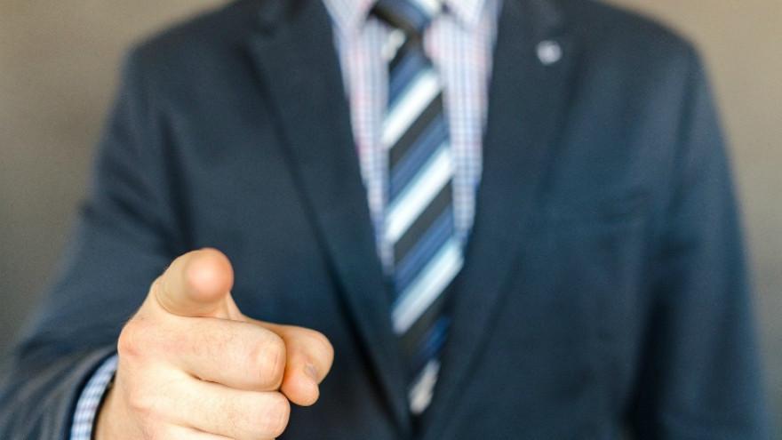 В Госдуме собираются строго наказывать хамоватых чиновников