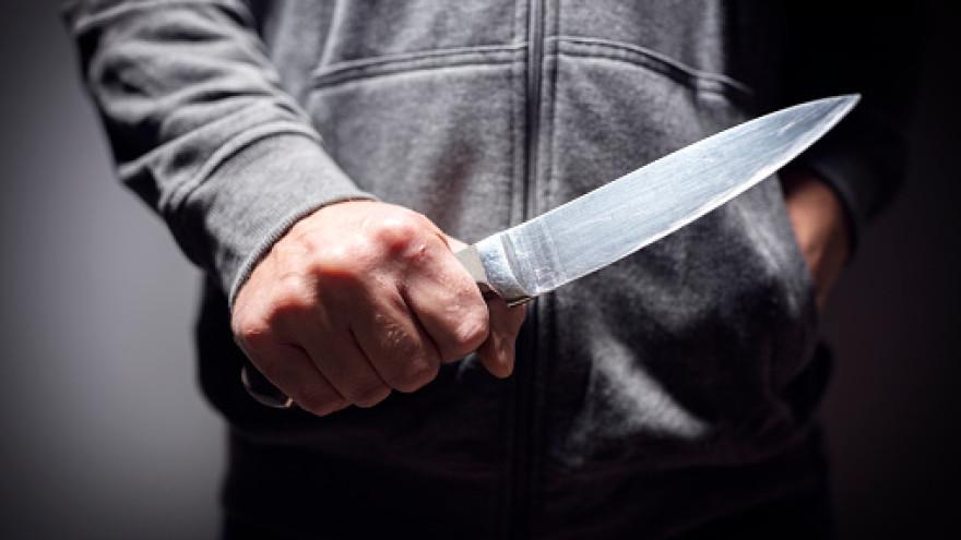 Не дали пронести алкоголь: в Новом Уренгое будет наказан мужчина, угрожавший убить охранника