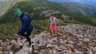 В Приморье открыт сезон горного туризма: как экстремалы штурмом брали сопку Облачная