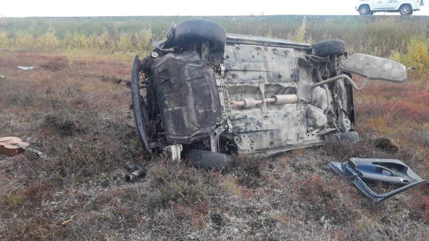 Пострадал водитель: в Приуральском районе с дороги слетел автомобиль