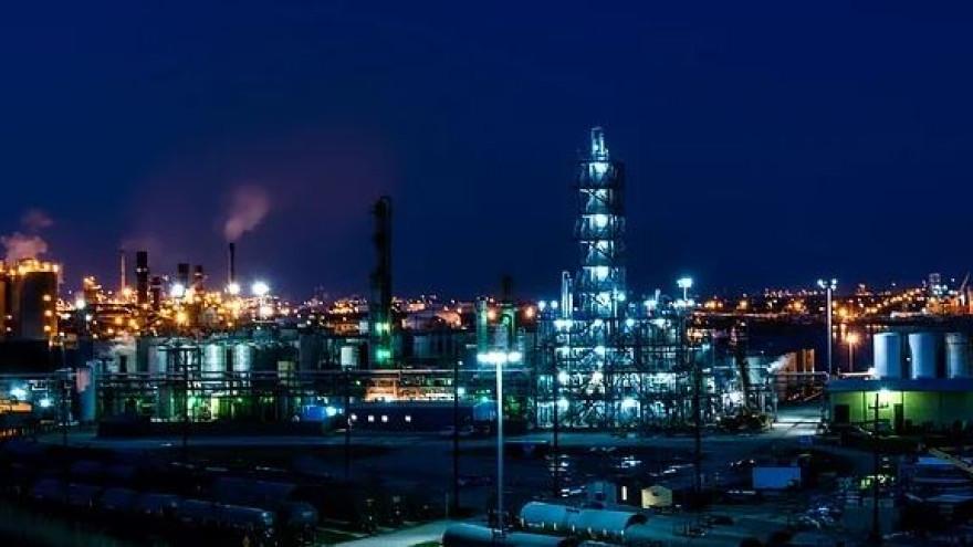 На нефтяном месторождении Ямала прорвало трубопровод