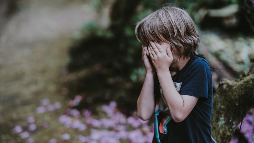 В ЯНАО избили и ограбили 8-летнего ребенка