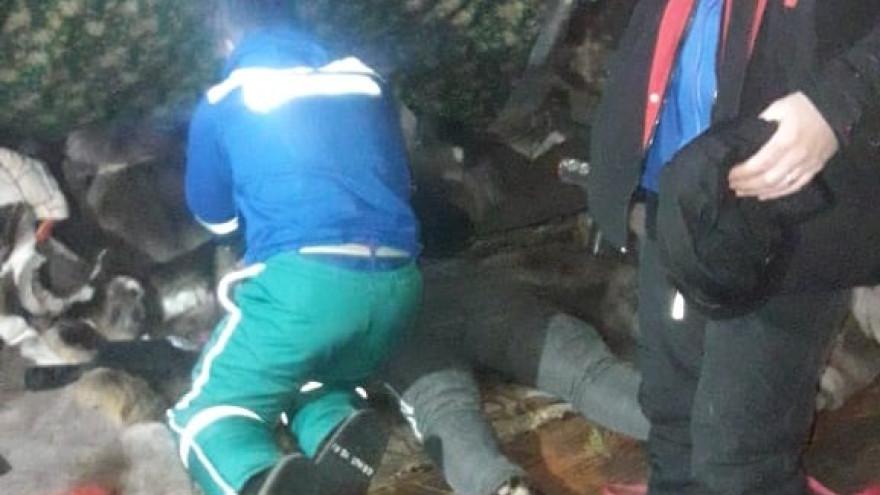 Ямалспасовцы эвакуировали мужчину из тундры в больницу