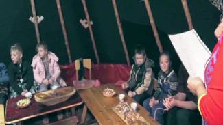 Чаепитие с пользой, или секреты селькупского охотника. Молодое поколение северян знакомят с вековыми традициями