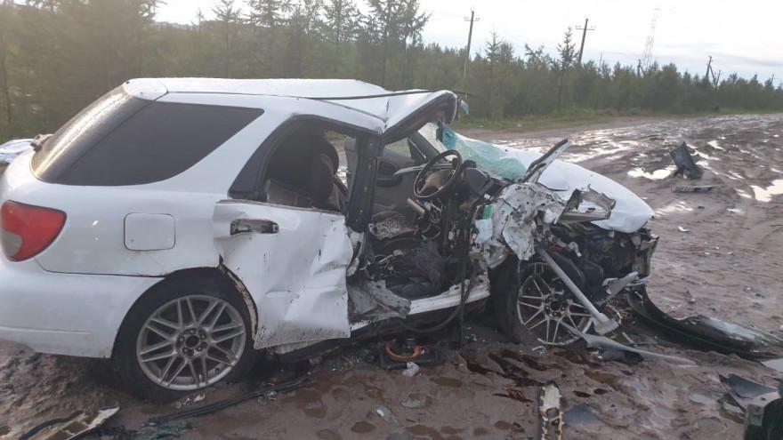 Машина разбилась всмятку: в ЯНАО произошло жуткое смертельное ДТП