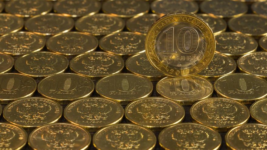 Названы товары, которые подорожают из-за падения курса рубля