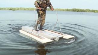 Житель Югры смастерил уникальные водные лыжи, на которых пересек Обь