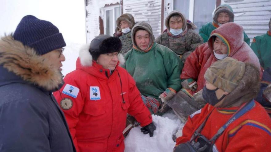 На Ямале пострадавшие от гололеда семьи оленеводов начали получать матпомощь