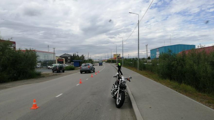 На Объездной в Салехарде перевернулся мотоциклист