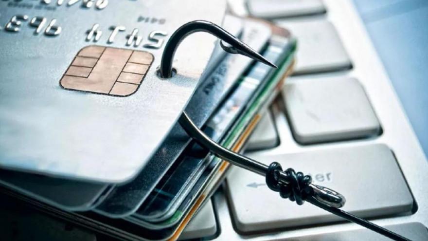 На Ямале у доверчивого мужчины с кредитки списали около 200 тысяч рублей