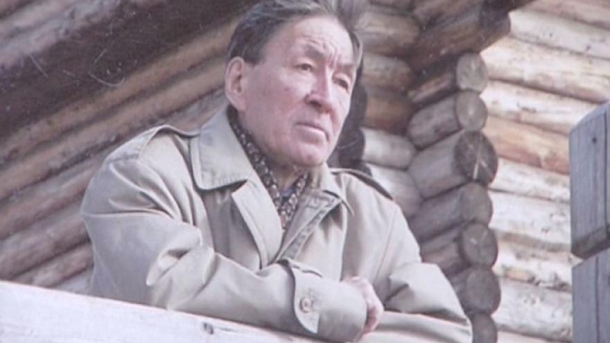 В Салехарде хотят установить памятную доску хантыйскому писателю Роману Ругину