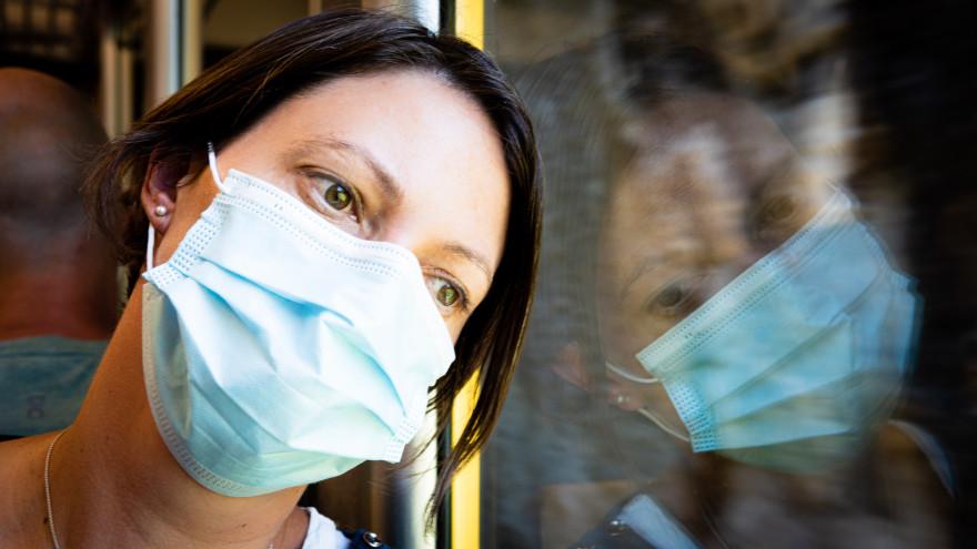 Эксперты прокомментировали риск наступления третьей волны коронавируса в России