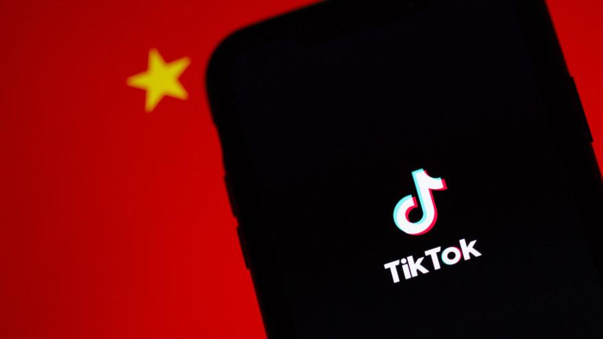 Не верь хайпу: как опасные тренды в TikTok ставят под угрозу жизнь подростков