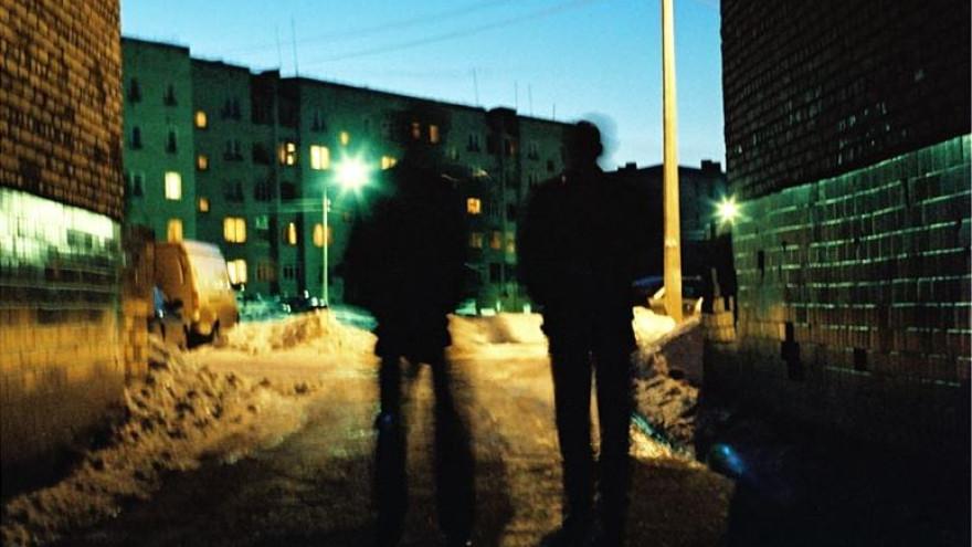 Отобрали даже пакет с продуктами: в Салехарде два разбойника ночью напали на прохожего