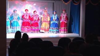 Артисты Ямальского района отправились в гастрольный тур: первый концерт прошел в Салемале