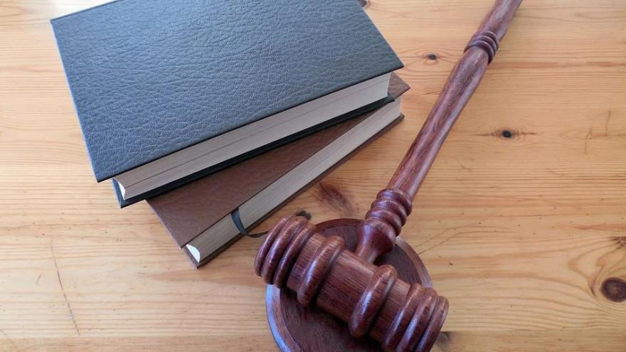На Ямале за поножовщину и попойку в чужой квартире мужчине вынесли приговор