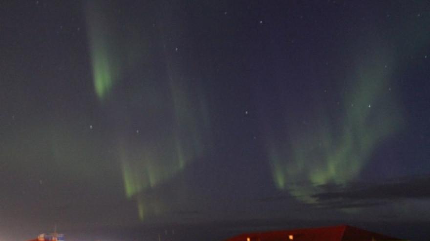 Ямальское небо сегодня ночью озарило северное сияние
