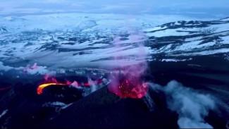 Всегда на передовой: о работе камчатских вулканологов и их незаменимых помощниках