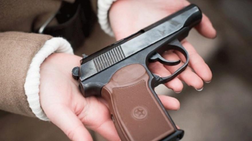 Сдай оружие - получи деньги: больше 30 ямальцев добровольно отнесли в полицию незаконные огнестрелы