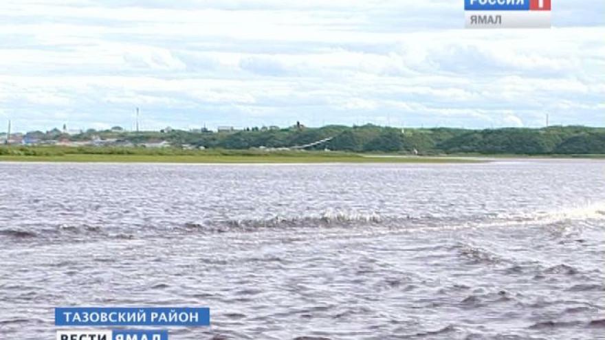 На Ямале утонул ребенок во время игры на лодках, привязанных к берегу