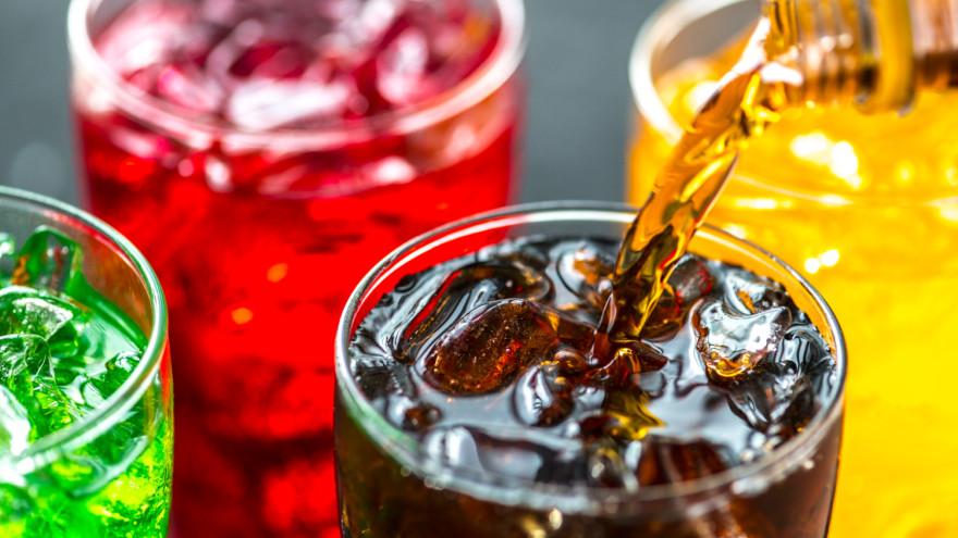 Ученые выявили связь развития онкологии у женщин со сладкими напитками