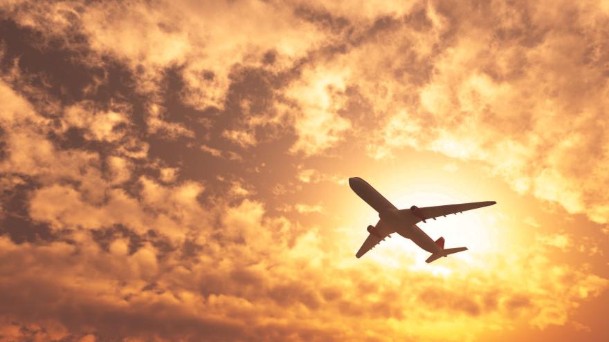 Ни еды, ни напитков: авиакомпанию наказали за задержку рейса Новый Уренгой-Москва