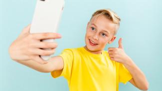 Роль гаджетов в образовании: как на Ямале педагоги и ученики относятся к телефонам на уроках