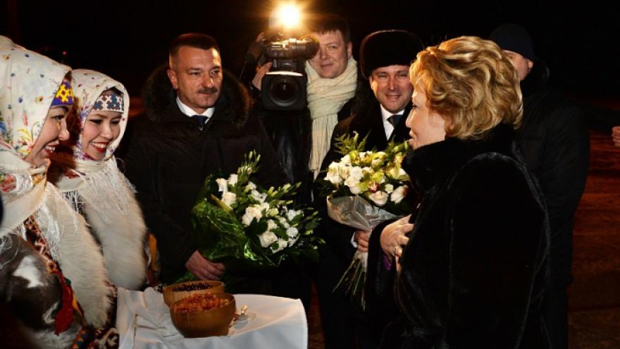 Игорь Холманских и Валентина Матвиенко поздравили ямальцев с юбилеем округа
