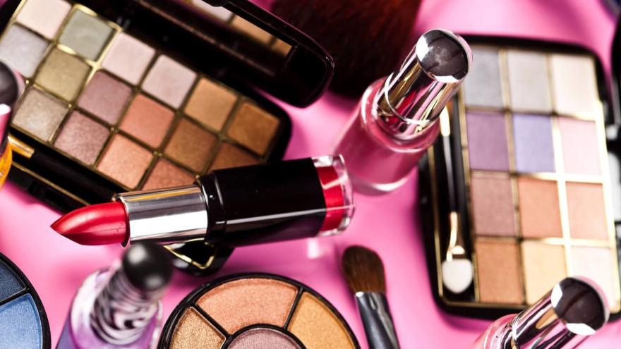 Страшная красота: 8 самых опасных токсинов в косметике