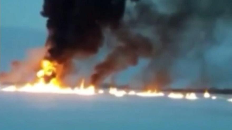 В «СибурТюменьГазе» пояснили, почему спустя две недели после ЧП Обь все еще горит