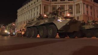 Новенькие танки, БМП и морпехи, как на подбор. Во Владивостоке прошла репетиция парада Победы