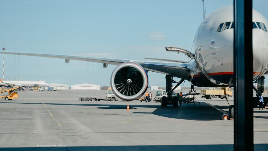 На Ямале мошенники придумали новую схему обмана при перевозке детей на авиарейсах