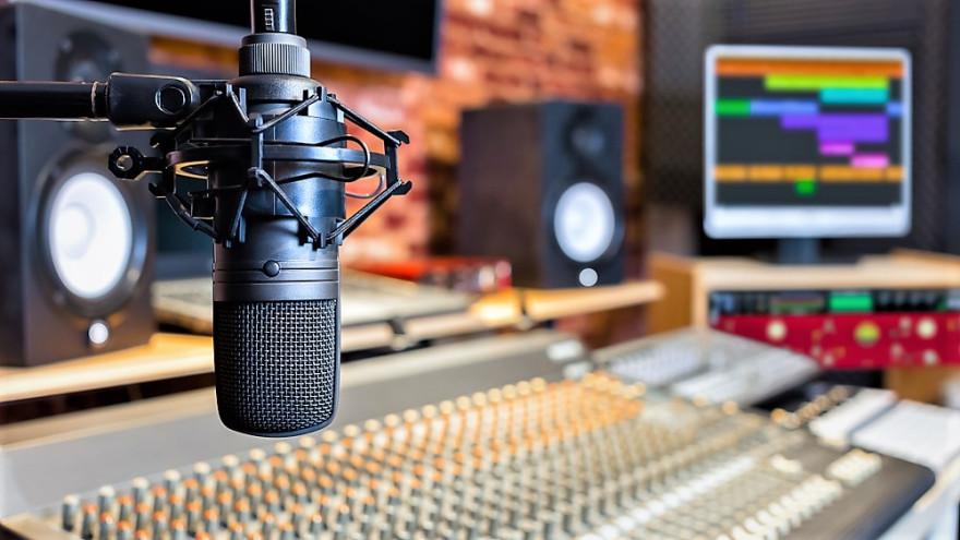 15 апреля в эфире «Радио России. Ямал» Ольга Лобызова и Юрий Морозов - о преодолении информационного кризиса в эпоху цифровизации