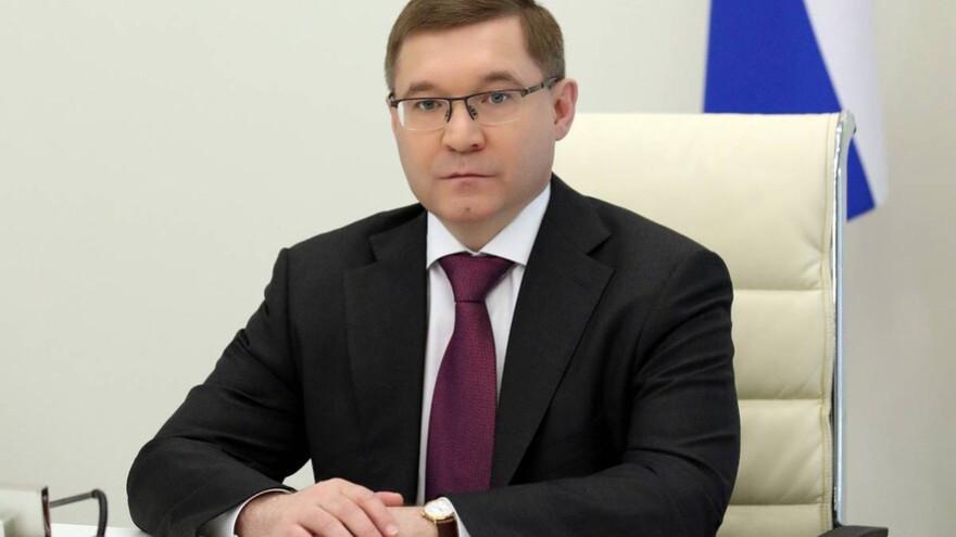 Владимир Якушев поздравил северянок с Международным женским днём