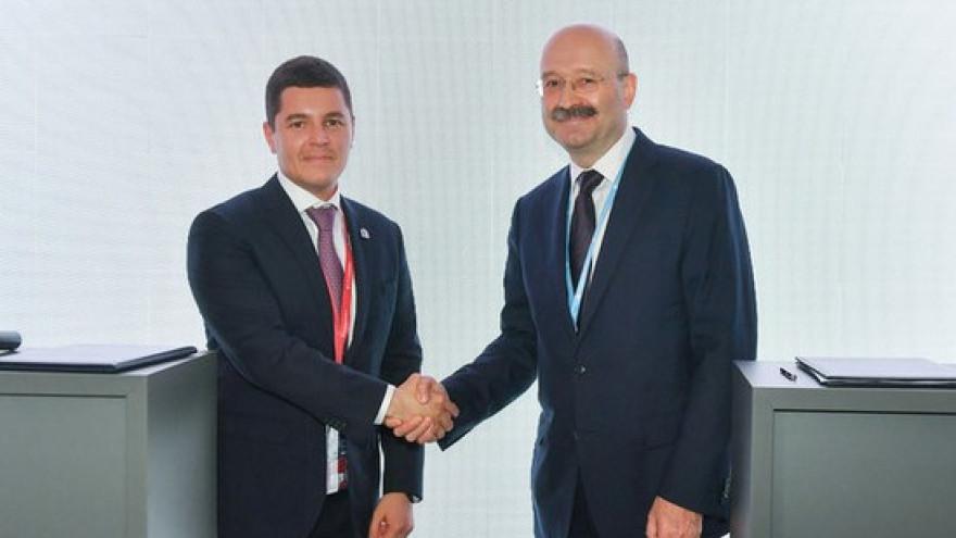 Банк «Открытие» будет оказывать Ямалу финансовую поддержку в реализации инфраструктурных проектов
