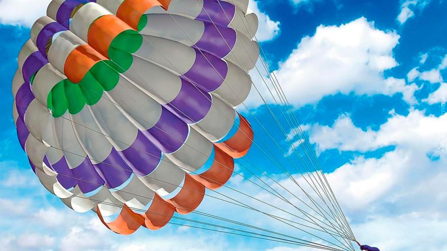 9 мая. День в истории: чудом выживший парашютист, форель-гигант, дерзкое и удивительное ограбление