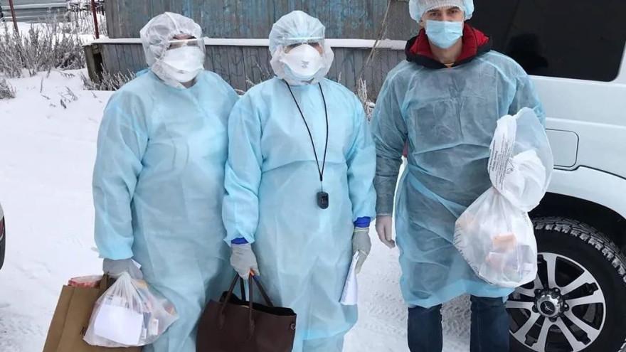 Алексей Титовский помог медикам доставить лекарства болеющим салехардцам