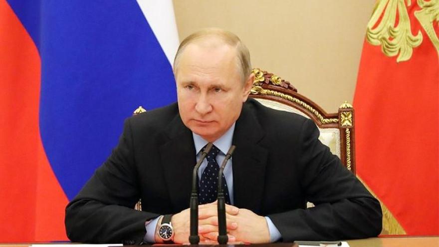 Владимир Путин призвал отбирать лицензии у наживающихся на коронавирусе аптек